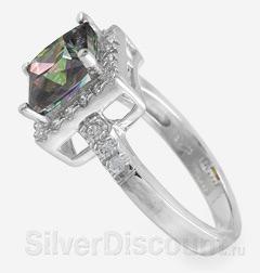 Перстень с большим разноцветным камнем