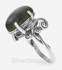 Женский перстень с овальным нефритом, серебро, вид сбоку