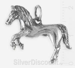 Серебряный кулон в виде объемного коня (лошади)