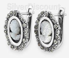 Серебряные серьги с камеями, вид сбоку