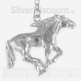 Серебряный конь из ионизатора крупным планом