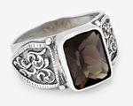 Стильный перстень с прямоугольным камнем