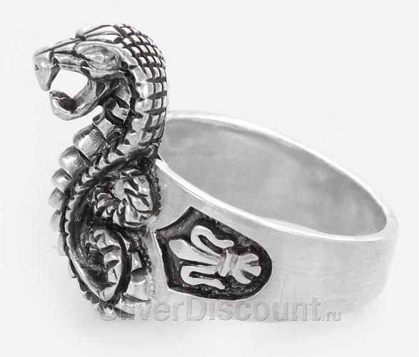Серебряная кобра в виде кольца
