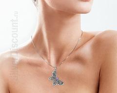 Кулон бабочка из серебра с александритом, фото на теле