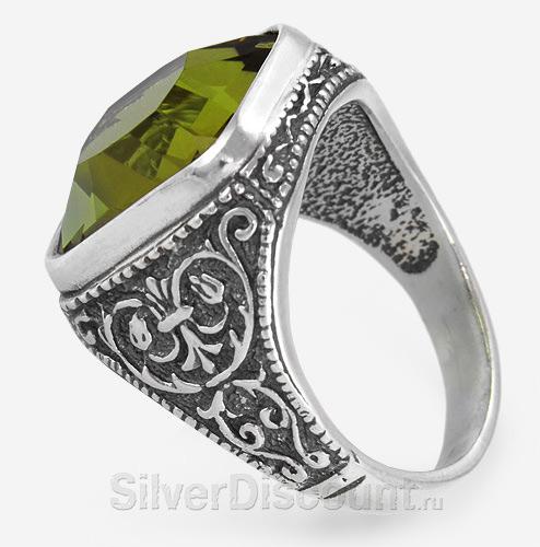 Мужской перстень с зеленой вставкой, вид сбоку