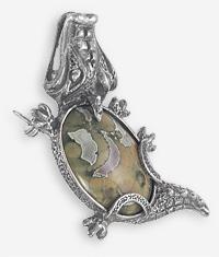 Подвеска-брошь Крокодил с яшмой другого цвета, чернёное серебро