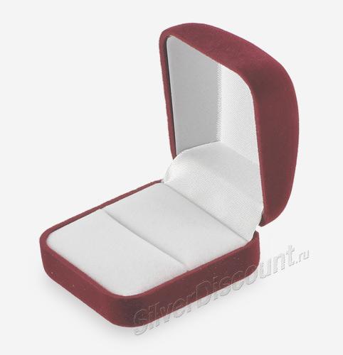 Красная бархатная коробочка под кольцо