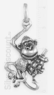 Подвеска в виде обезьяны с гранатой, серебро