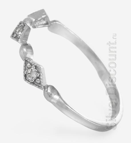 Маленькое недорогое кольцо из серебра, вид сбоку