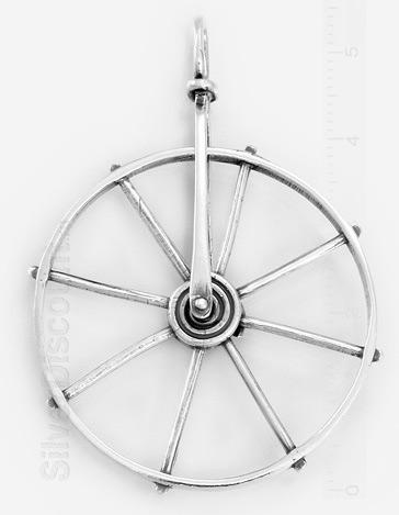 Кулон в виде колеса телеги серебро 925-й пробы с чернением