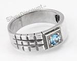 Стильное кольцо из серебра с топазом