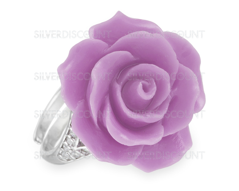 Как небанально подарить женское серебряное кольцо: ТОП-7 способов